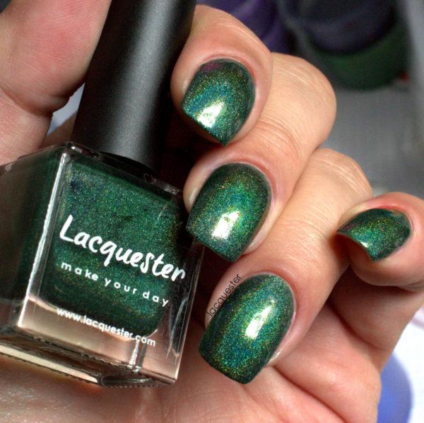 Lacquester - Holo Huntress